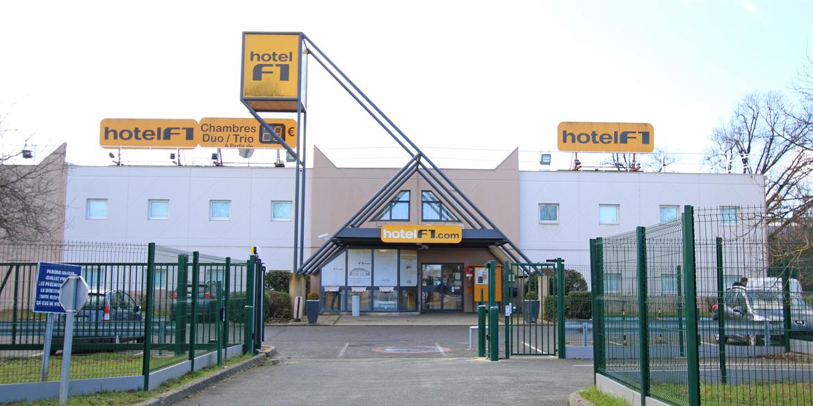 Elegant hotelf poitiers sud with auchan sud poitiers for Poitiers auchan sud
