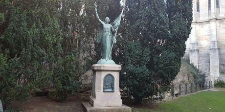 Jeanne d'Arc ou l'Ange de la Paix